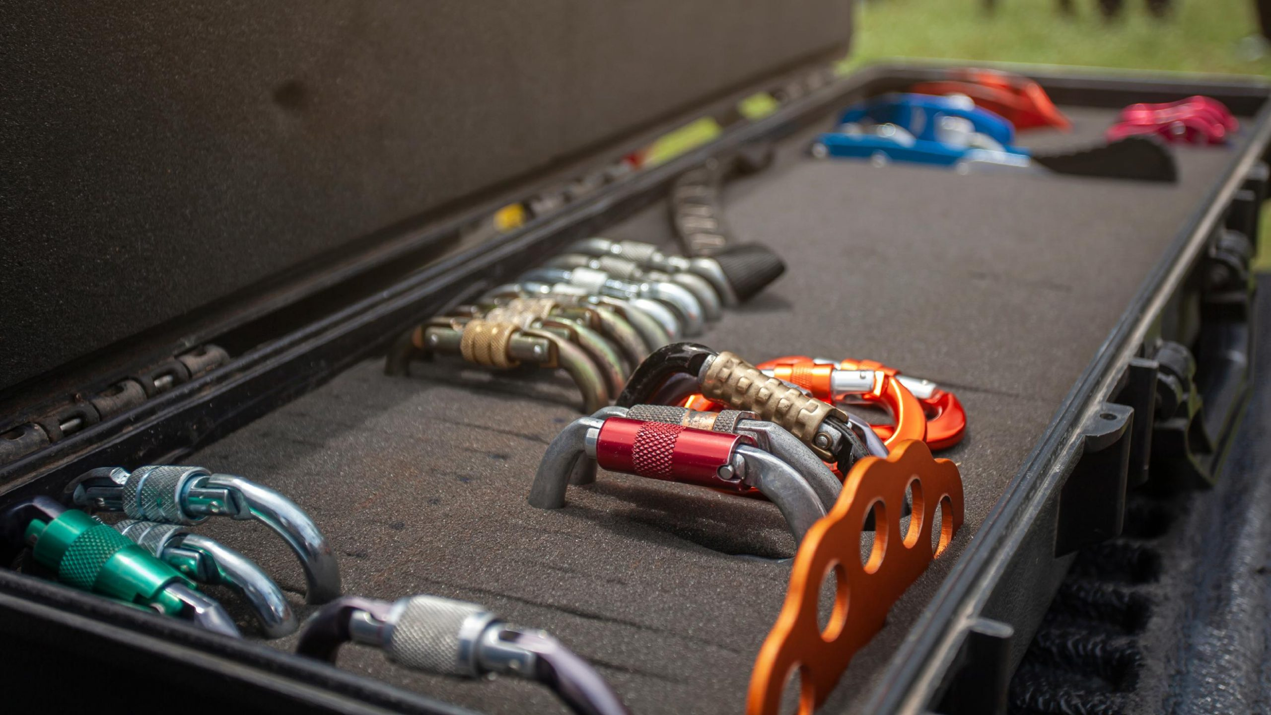 Karabiner für Industriekletterer, Baumkletterer, Schulungen, Fisat und PSAga sowie SKT
